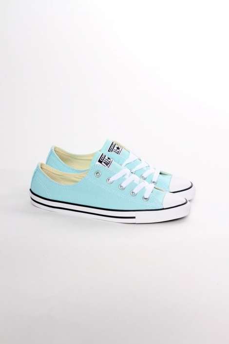 Converse Chuck Taylor All Star Low Dainty motel pool